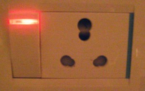 This outlet combines both wide and narrow plug holes, as a result, all plugs pretty much just fall right out of it